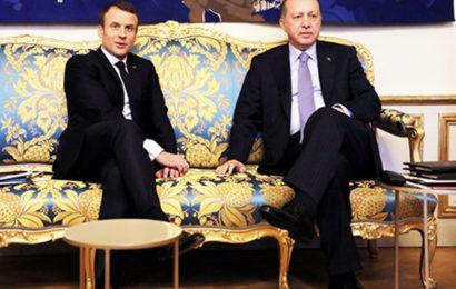 Fransa'daki Türk'lerden Cumhurbaşkan'ı Erdoğana Sevgi Gösterisi