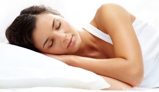 Psikolog Zeki İnsanların Ortak Noktası Gece Geç Saatlere Kadar Oturmak Olduğunu Söyledi