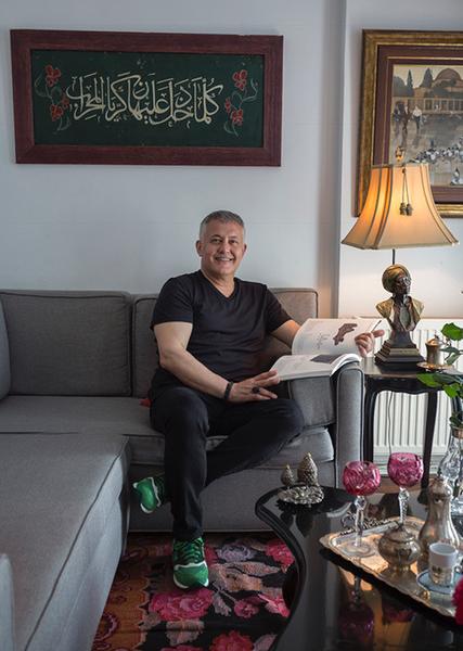 Antikacılık Mesleğindeki Sahtecilik ve Kendini Antikacı Zanneden,Mesleği Baltalayan Kişileri Osman Gürsoy Anlatıyor.