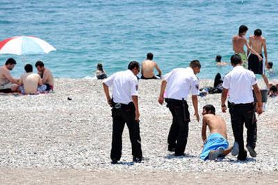 Antalya Konyaaltı Plajında Yine Sapık Vakası