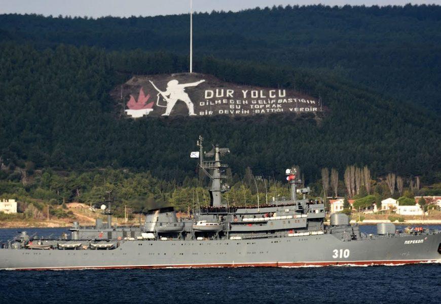 Rus Donanması Boğazdan Hazır Olda Geçti